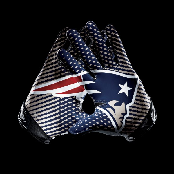 C098 New England Patriots Gloves